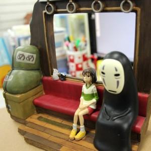 [스크레치]포토프레임겸 북스탠드 -센과치히로의행방불명