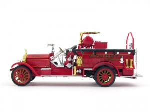 1/32 AMERICAN LAFRENCE FIRE PUMPER 1921 (MILWAUKEE) (SG003714RE)