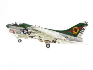 1/72 A-7E CORSAIR II VA-25 FIST OF THE FLEET 1975 한정판 (CE589315GY)