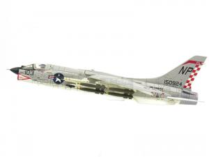 1/72 F-8E CRUSADER U.S.NAVY VF-211 NP103 1966 한정판 (CE601475GY)
