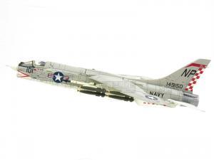 1/72 F-8E CRUSADER U.S.NAVY VF-211 NP101 1967 한정판 (CE601628GY)
