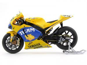 1/12 YAMAHA YZR-M1 #46 Valentino Rossi 2006 (IX310395YE)
