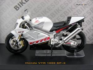 1/24 HONDA VTR 1000 SP-2 (IX303182WH)