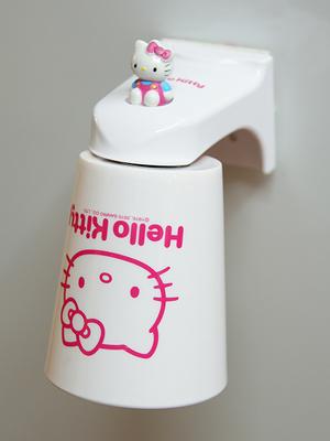 +최다판매+  [Hello Kitty] 마그네틱 양치컵+홀더 세트 ver.1