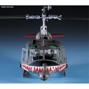 [ACADEMY] 프라모델 1/35 UH-1C 휴이 [프로그]