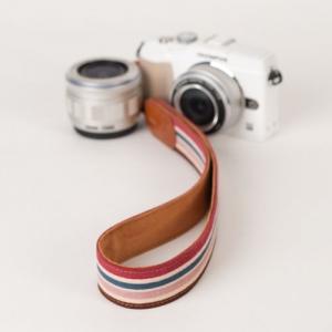 [아이코드] 카메라스트랩 퍼브릭30 리플스트라이프 바이올렛 C110311
